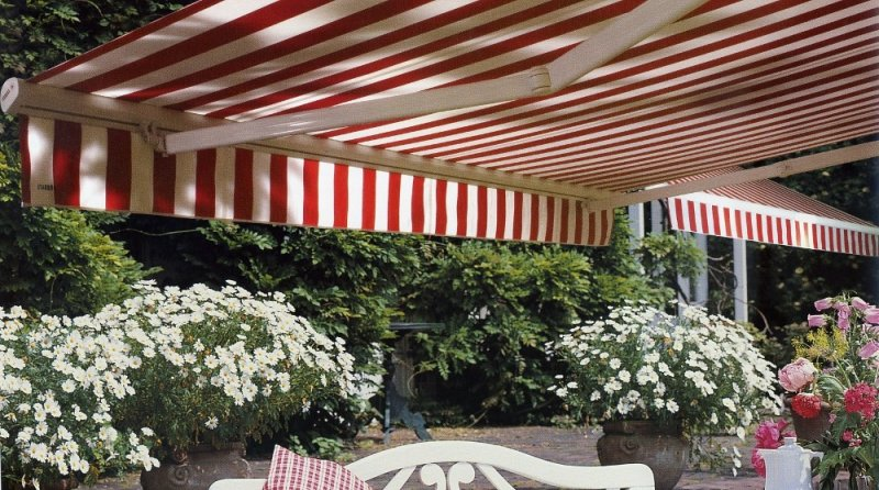 Casa moderna roma italy tende esterno for Casa moderna tende